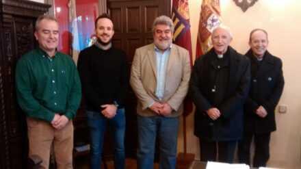 El nuevo Administrador Apostólico se entrevista con el Alcalde