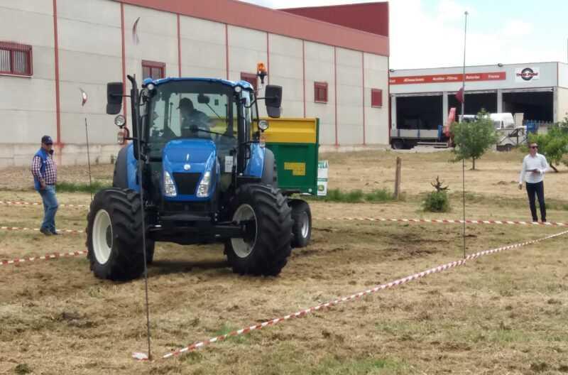 II Concurso de Habilidad con tractores.